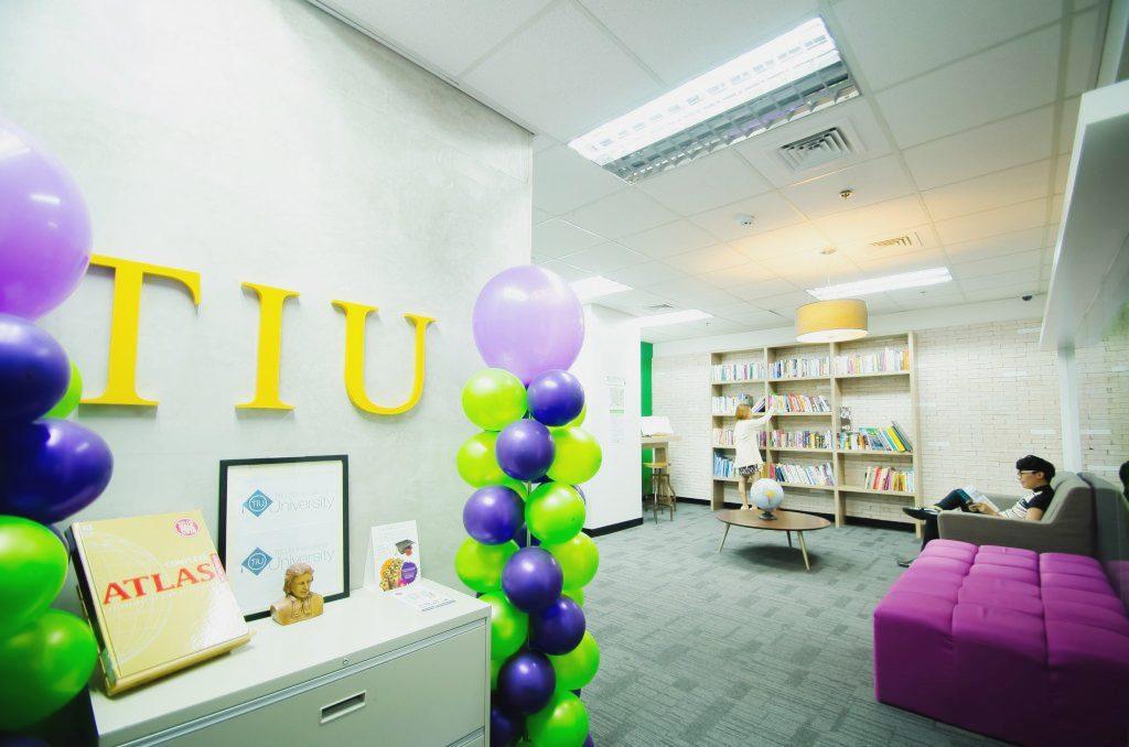 Telus extends short courses to employees' social communities