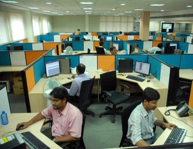 TCS, Infosys increase manpower in fiscal year 2019