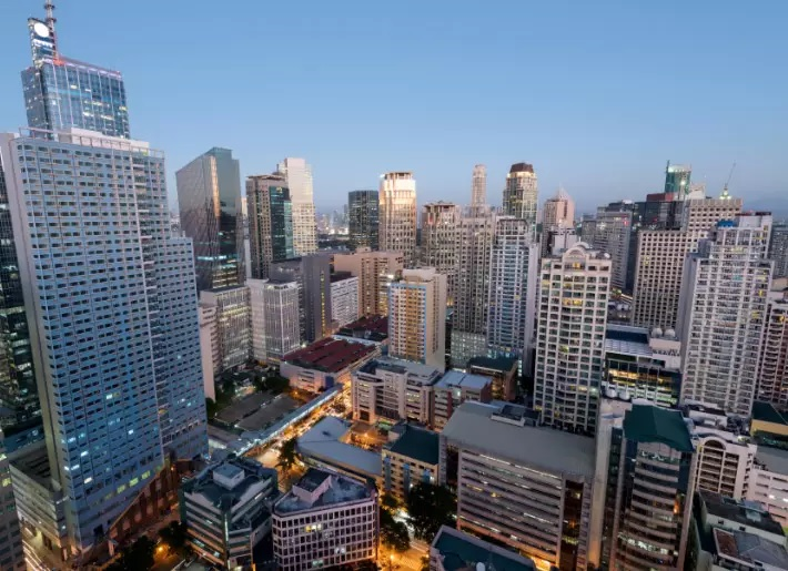 Philippine Economy Strengthens with Job Market Expansion