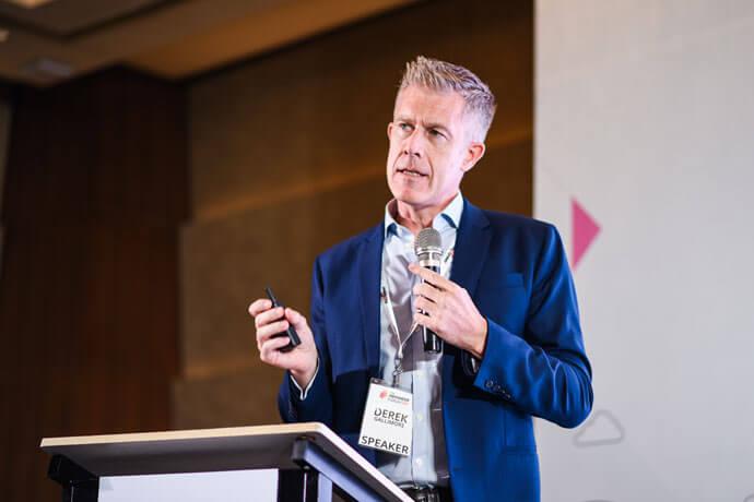 Derek Gallimore Outsource Accelerator - 30m more jobs