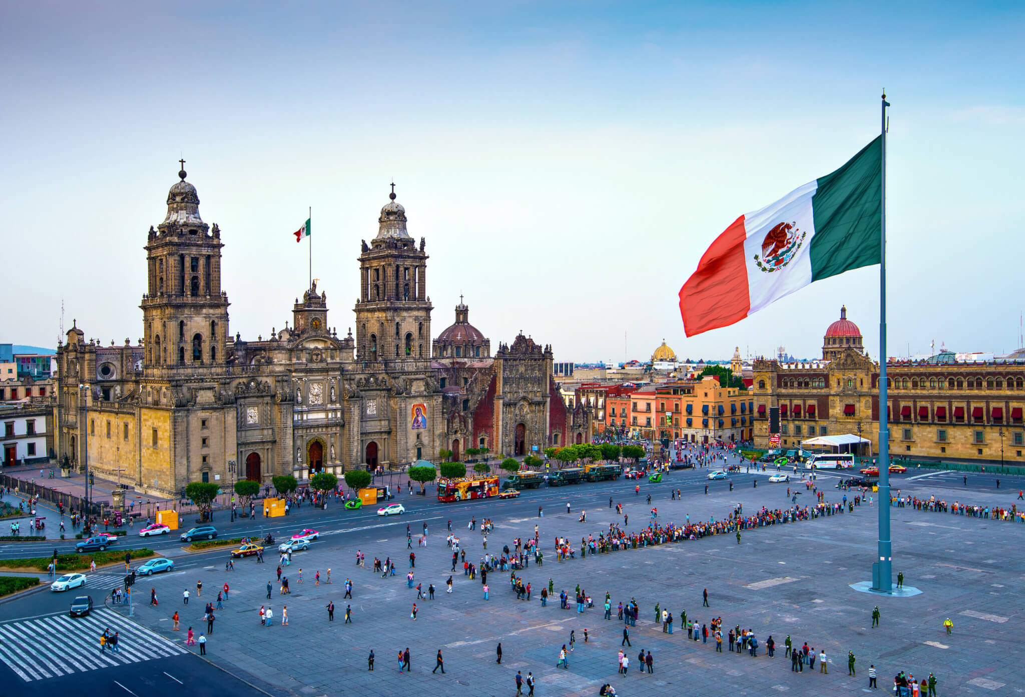 Mexican business group signs outsourcing agreement, private sector doubtful