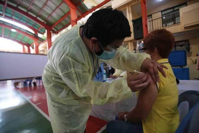 PH targets to finish vaccine rollout, reach herd immunity by 2023