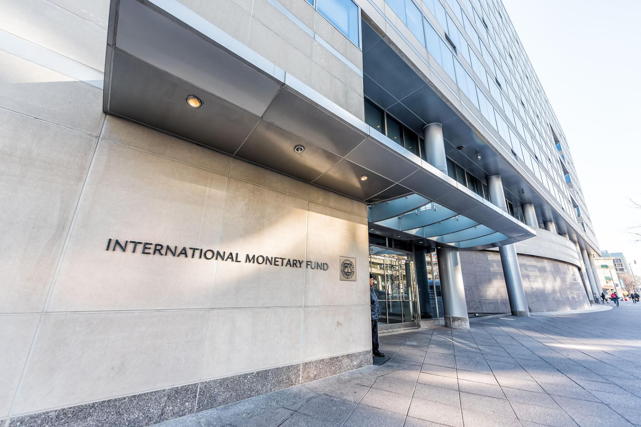 IMF slashes PH growth forecast to 5.4%