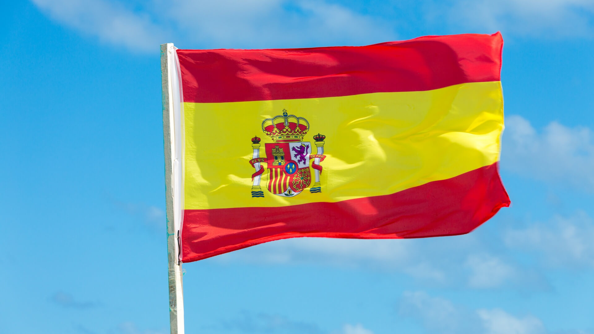 Spain to give outsourced workers the same rights as employees